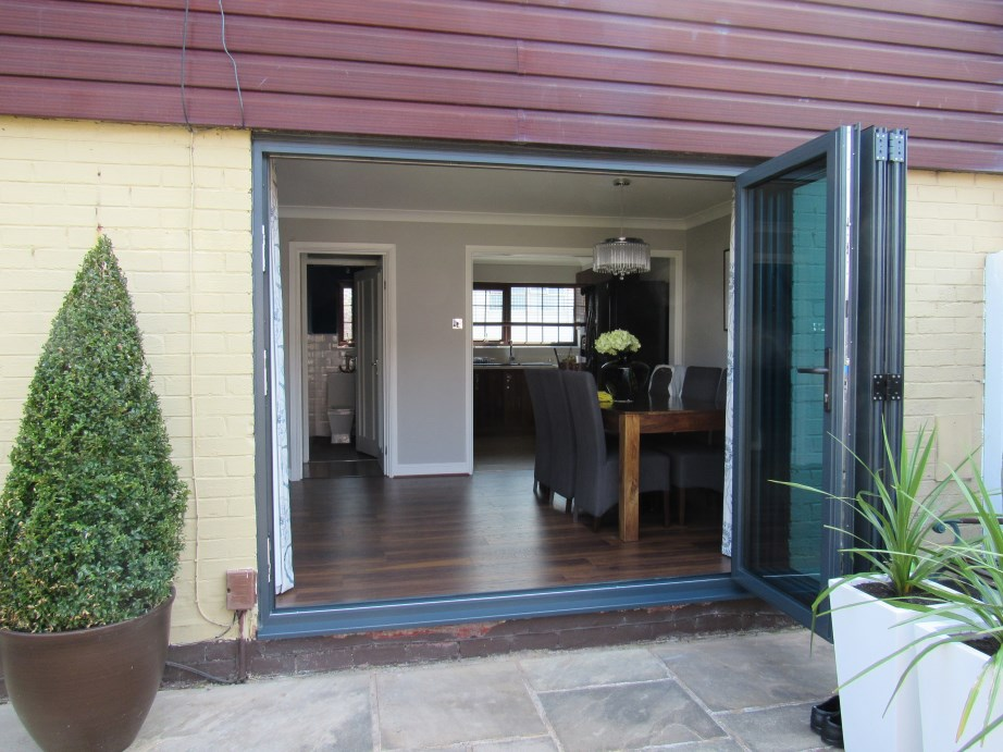 bi-fold doors in Reading